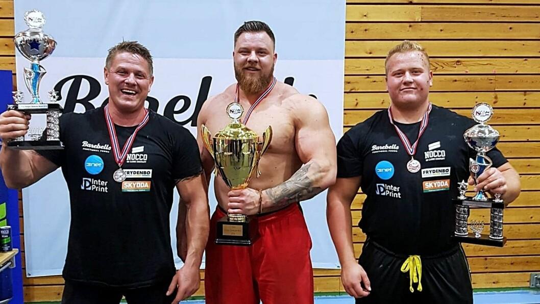 NORGES STERKASTE: Dette er Norges sterkaste menn, Jonas Bathen til høgre (3. plass).