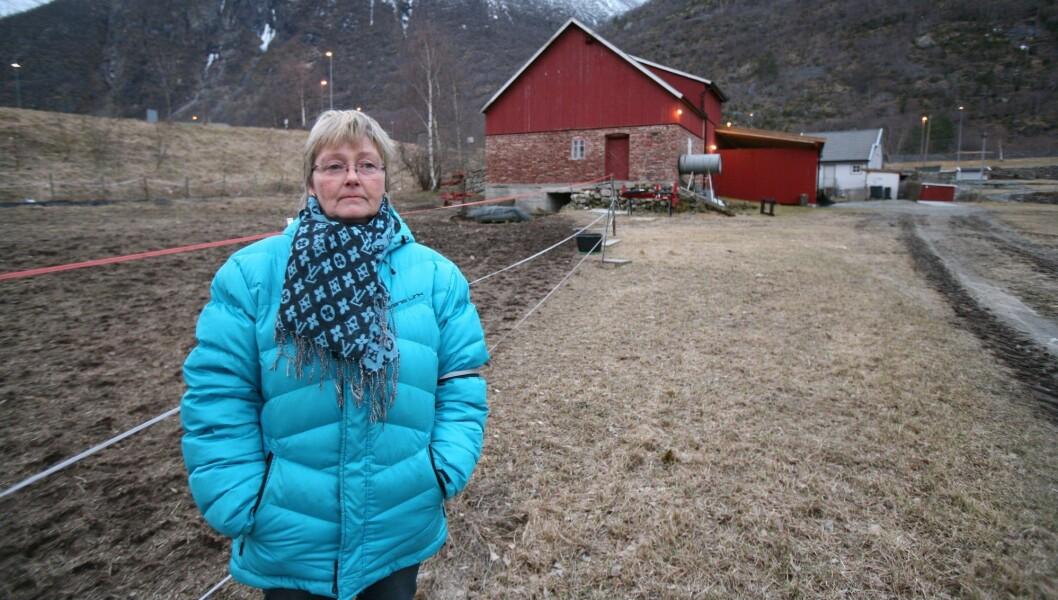 INTET NYTT: I fjor vår selde Aud Sjøvold garden og flytta frå Lærdal. Fabrikkplanane som tvinga fram salet er framleis heilt i det blå.