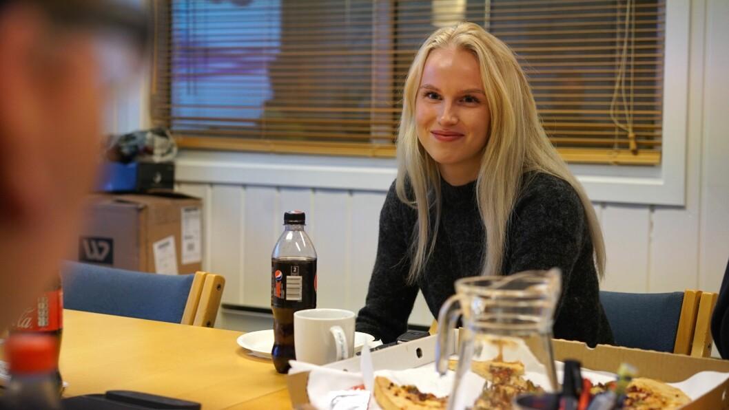 KONTORFAG: Trine Lomheim vert den første til å ta fagbrev i kontorfag hos HMR Hydeq.