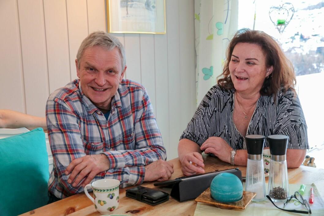 LOKAL ENTREPRENØR: – Olav Birger og gutane les mykje utstyrsblad, og kokar det godt i hop, fortel Anne Kathrine L. Hæreid.