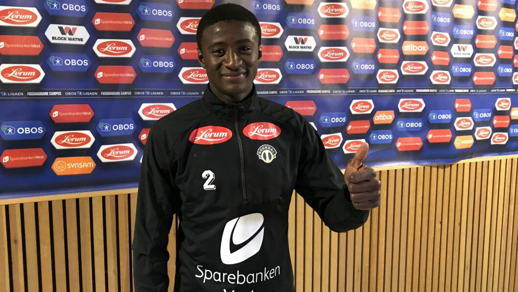 TOMMEL OPP: Alioune Badou Ndour var glad for å ha skåra i debuten, men skulle helst sett at laget fekk med seg tre poeng.