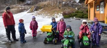 Traktorboom i barnehagane: – Me er opptekne av rekruttering til norsk landbruk