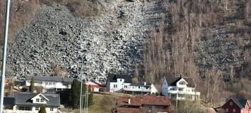 Stort steinras i Luster tok med seg høgspentlinje