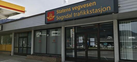Forslaget om å legga ned trafikkstasjonen møter kraftig motbør