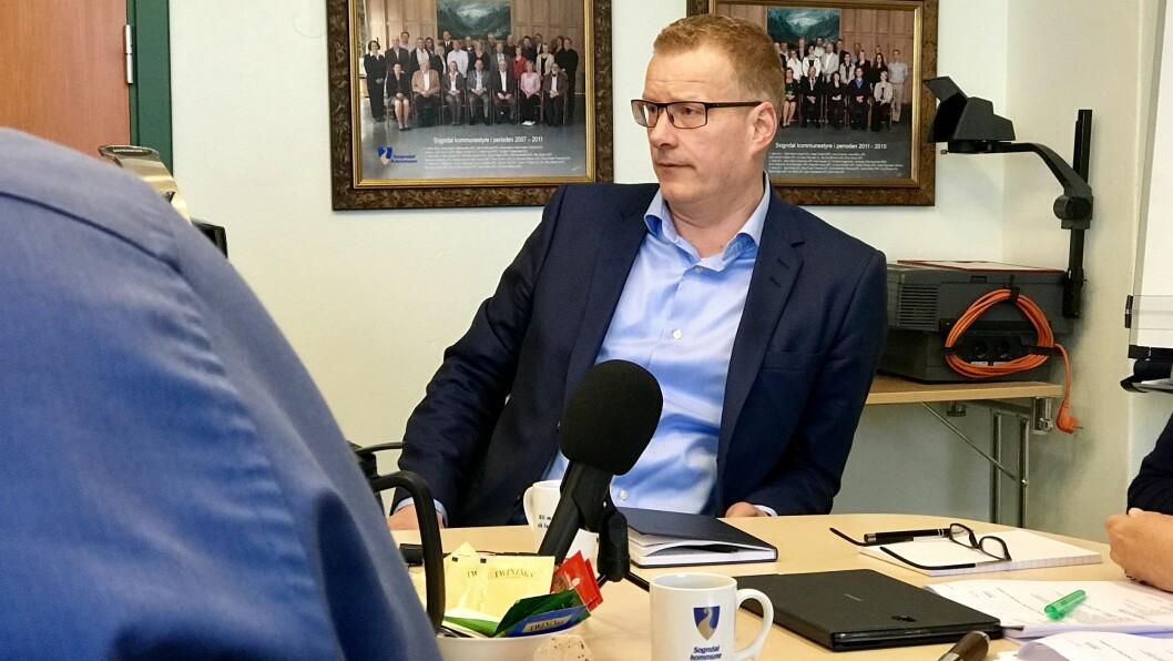 LEIA GRANSKINGA: Setterådmann Knut Broberg har leia granskinga av varslingssakene i Sogn barnevern.