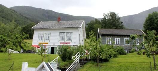 Bli med inn i Nils og Kari Lerum sitt safteventyr på Sørheim