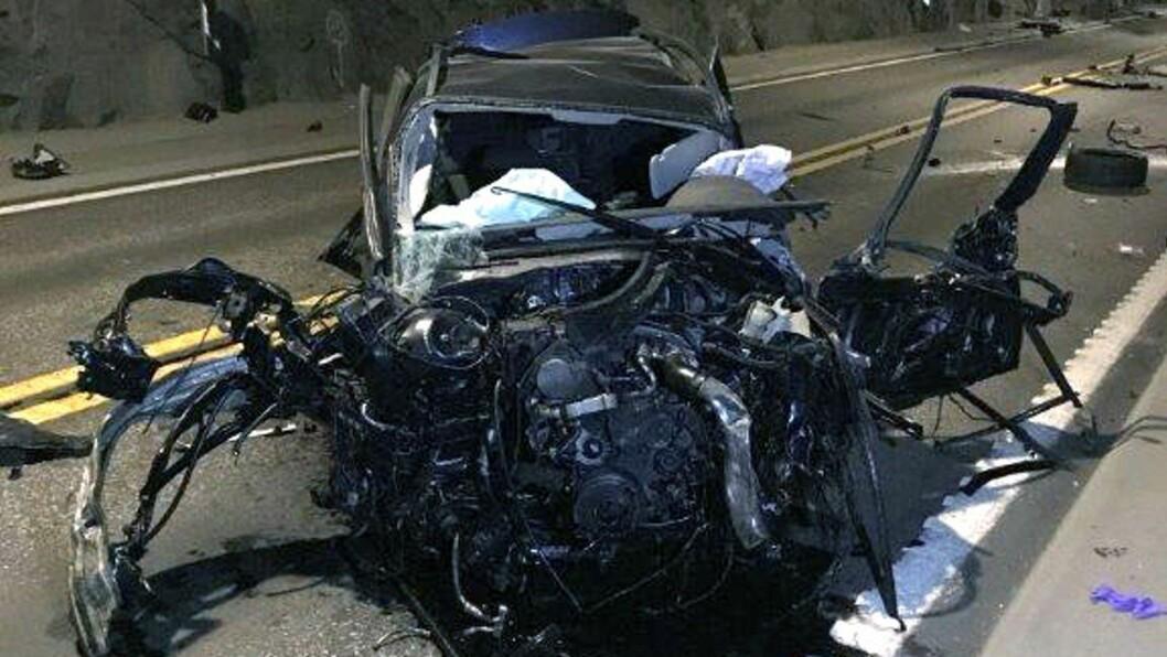 TIL SJUKEHUS: Føraren av bilen vart sendt til sjukehus og har ukjent skadeomfang.
