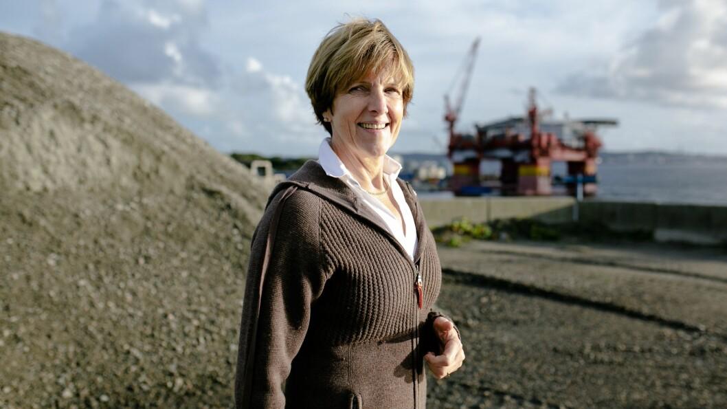 BYR PLASS I GULEN: Irene Kjelby Wergeland meiner Gulen Industrihamn eignar seg til prosjektet Hywind Tampen og byr på plass til å stille saman vindturbinar.