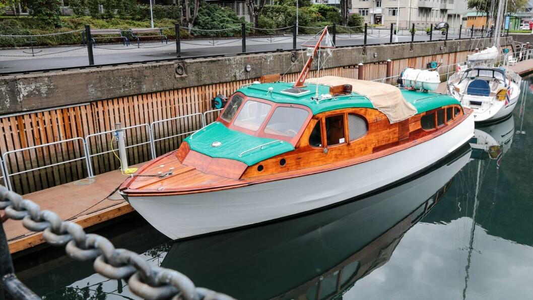 «Gløymt» i arkitektskissa: Den ærverdige gamle verksbåten, Tya.
