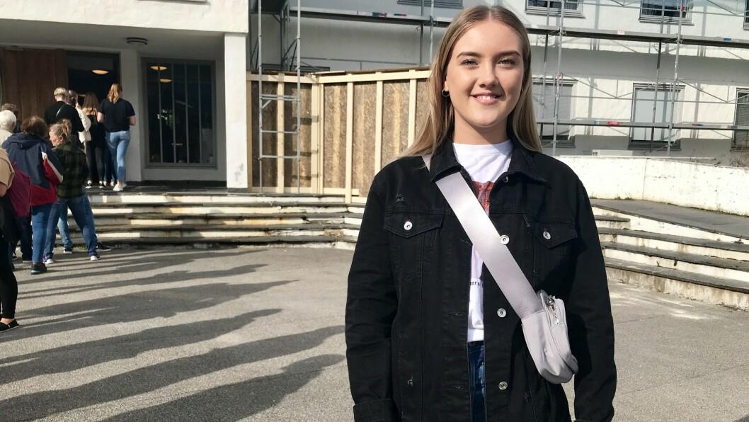 ØNSKJER ENDRING: Emma Norheim Grift brukte stemmeretten for første gong måndag. Ho håpar nye politiske krefter tek over i storkommunen etter valet.