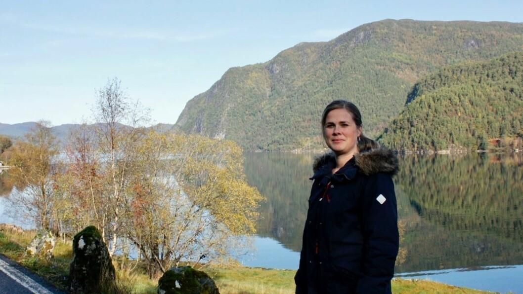 POTENSIALE: Leiar i Ikjefjord bygdelag, Kristin Myren, meiner området som er sett av til byggjefelt har stort potensiale. Ein har blant anna utsikt heilt til Ikjefjordsbrua.