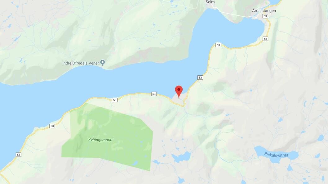 ULUKKE: Uhellet skjedde på fylkesveg 53 mellom Årdalstangen og Fodnes.