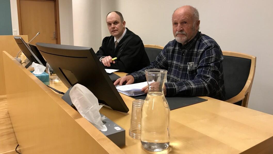 VIL ANKA: Alf Kollsete (til høgre) fortalte at han kjem til å anka ein eventuell dom. Til venstre forsvarar Ivar Hauge.