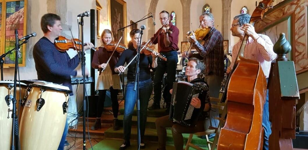 NYNORSK KONSERT: På søndagen var det duka for Ynskjekonsert med nynorske songar i Vangen kyrkje.