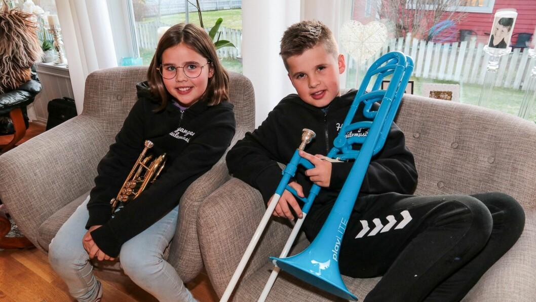 KJEKT: Tvillingane Håkon og Sigrid Gunnarskog frå Høyanger er glade i å spele i korps.
