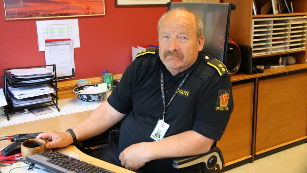 IKKJE NÅDIG: Tenestestadsleiar Magne Knudsen i Årdal tykkjer ikkje mykje om at dei må frakta folk til byen for å setta dei i arrest.