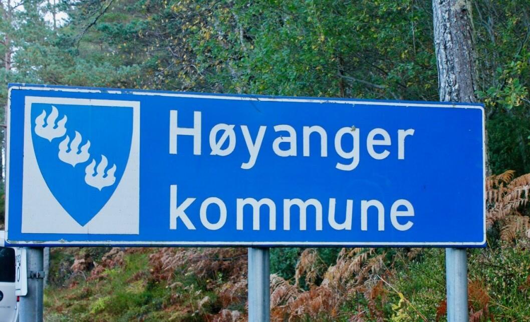 USIKKERHEIT: Høyanger kommune har framleis gode tenester og inntekter, men nedadgåande trendar innan folketal og inntekter gjer at kommunen må ta grep. Rådmannen har difor sett i gong eit større omorganiseringsarbeid i kommunen.