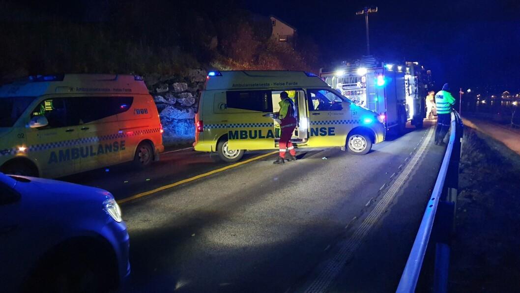 FATAL ULUKKE: Ei kvinne mista livet då tre bilar kolliderte i Aurland tidlegare i november.