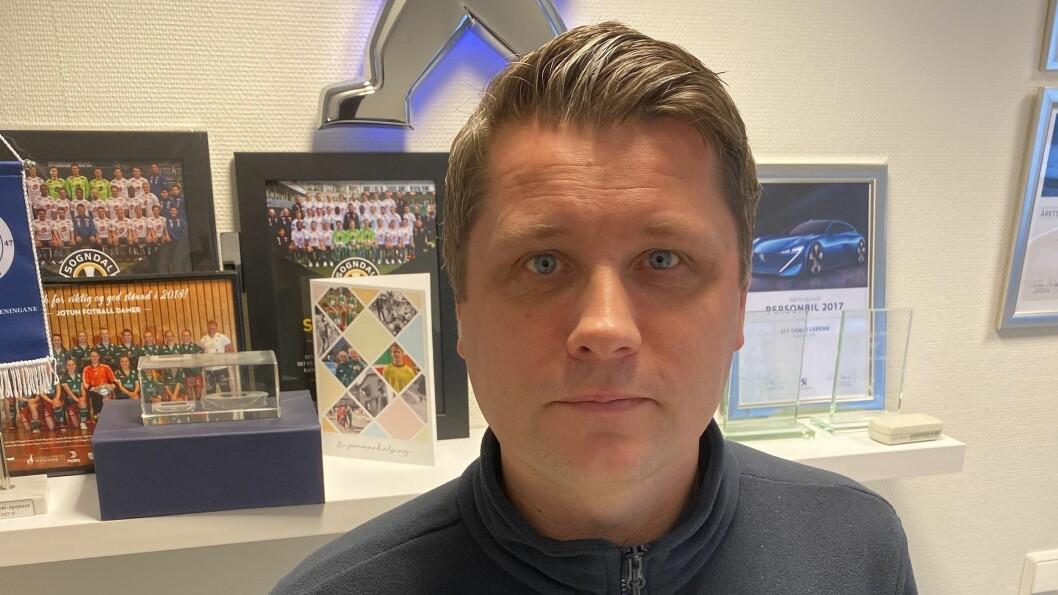 NY TRENAR: Morten Brandsdal skal leia Årdal FK inn i tredje divisjon. Han brenn for å få til auka samarbeid mellom dei tre klubbane i bygda.