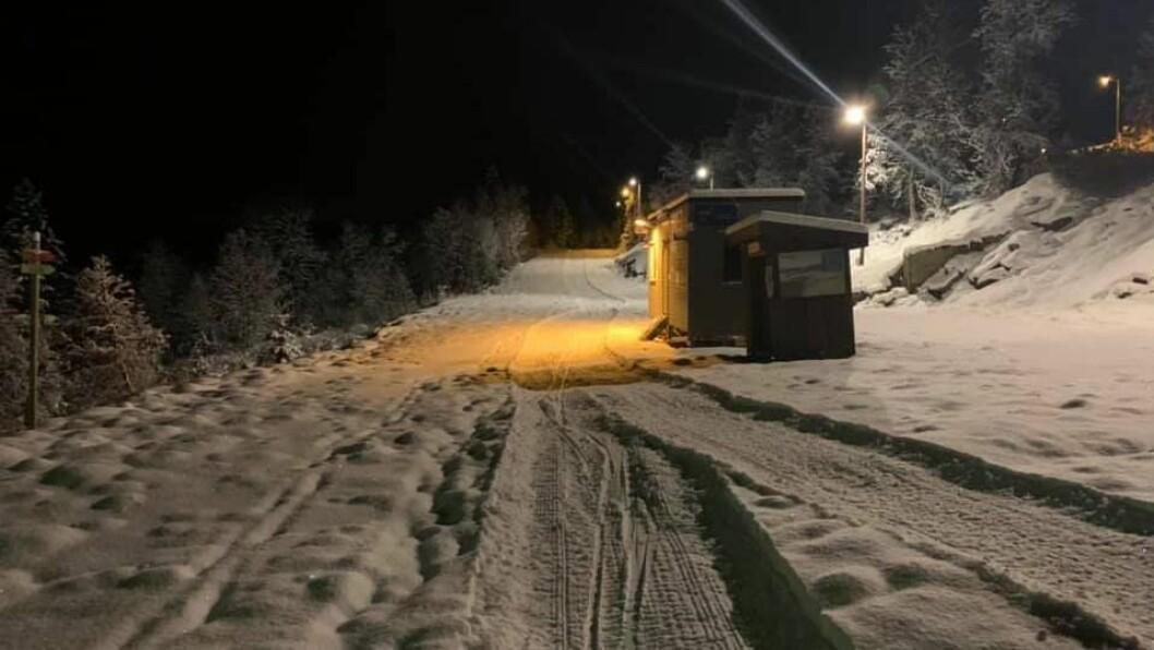 LYS I LØYPA: : Kvar kveld sidan onsdag har lysa i skisporet vore tent.