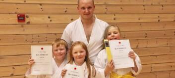 Heile familien er hekta på karate – har trent nesten kvar dag for nytt belte