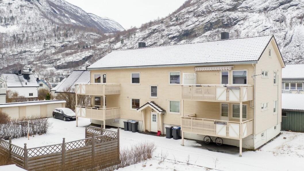 SELD: Håkon VII veg 13 i Øvre Årdal vart seld for 995.000 kroner.