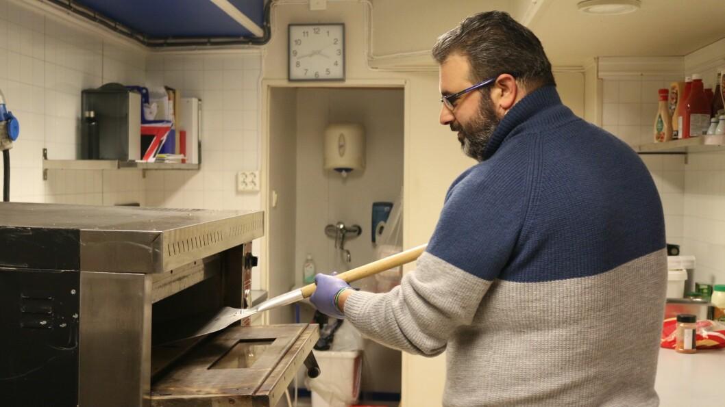 PIZZA: Shaham Dandashi tilbyr pizza, hamburgar, falafel og kebab.