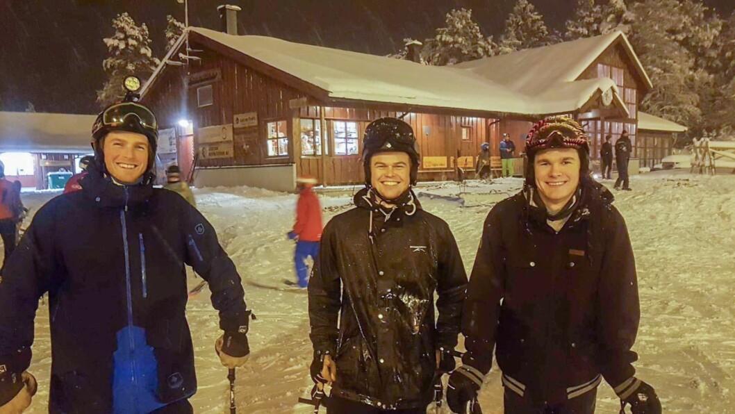 KLARE SOM EGG: Vegard Byrkjeland Aasen, Fredrik Solnes og Sigurd Ask hadde tilsynelatande sett fram til opningsdagen ei stund.