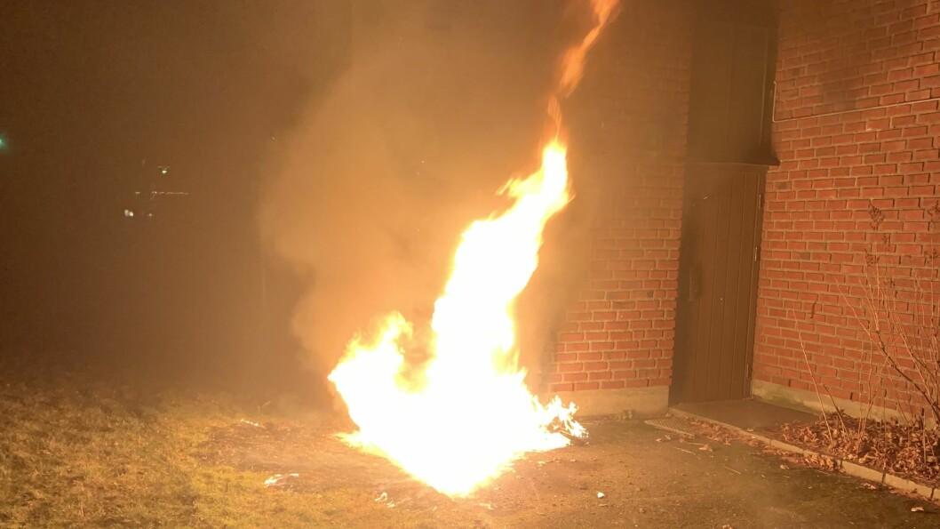 SNARRÅDIG: Brannen vart oppdaga av tilfeldig forbipasserande.