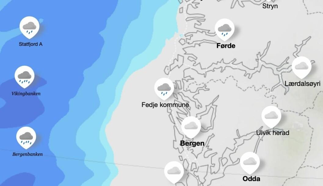 PÅ VEG: Eit nedbørsfelt som kan gje mykje regn på kort tid er på veg inn mot Vestlandet. Den sterkaste nedbøren er venta kring klokka 18.