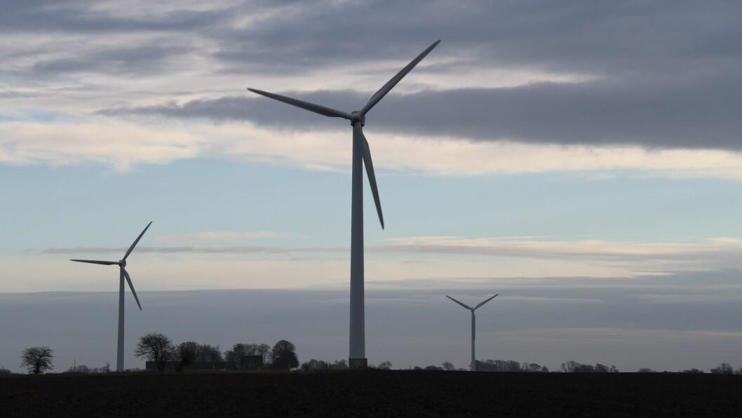 KRITISKE: Aksjonsgrupper mot vindkraft i Ytre Sogn, Sunnfjord og Nordhordland er kritiske til svaret kommunedirektør i Fjaler, Bente Nesse, gav i ein artikkel i Firda etter at Lutelandet Energipark AS har søkt om dispensasjon for å auke storleiken på vindturbinane på Lutelandet.