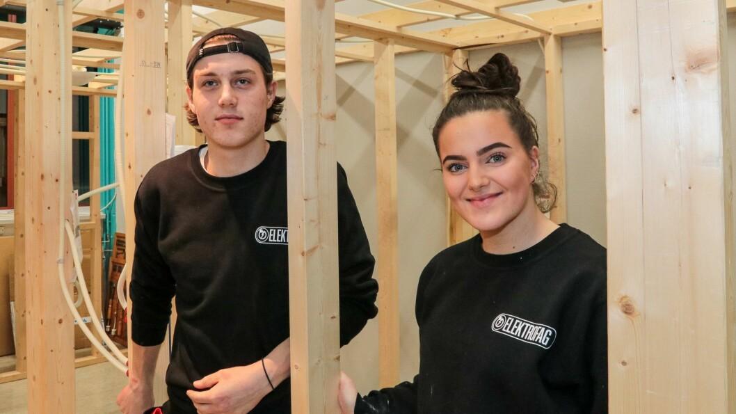 ELEKTRO: Trisdan Ullebø og Ane Dina Sæbø Nesse. Begge går andre året på Elenergi.