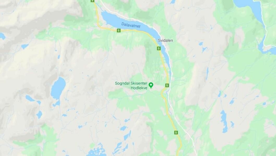 STENGD: Rv. 5 i Sogndalsdalen er stengd.