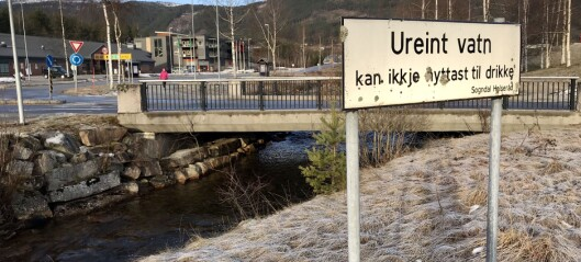 Kommunen har funne mogleg syndar bak den stygge lukta i elva