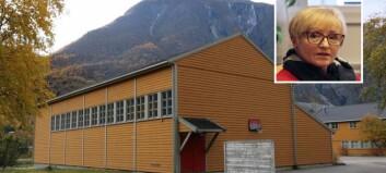 Skal selja Ljøsne skule, men vil behalde idrettsbygget