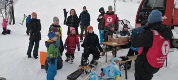 Skitrekket er stengt, men det stoppa ikkje desse frå å stå på ski