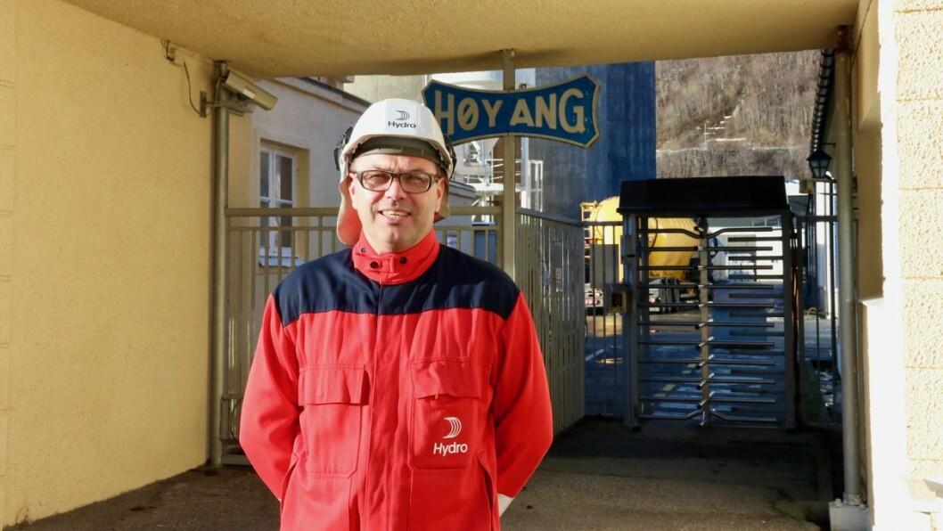 NY: Arne-Martin Kjærland har denne veka første ordinære arbeidsveke som fabrikksjef ved Hydro Høyanger.