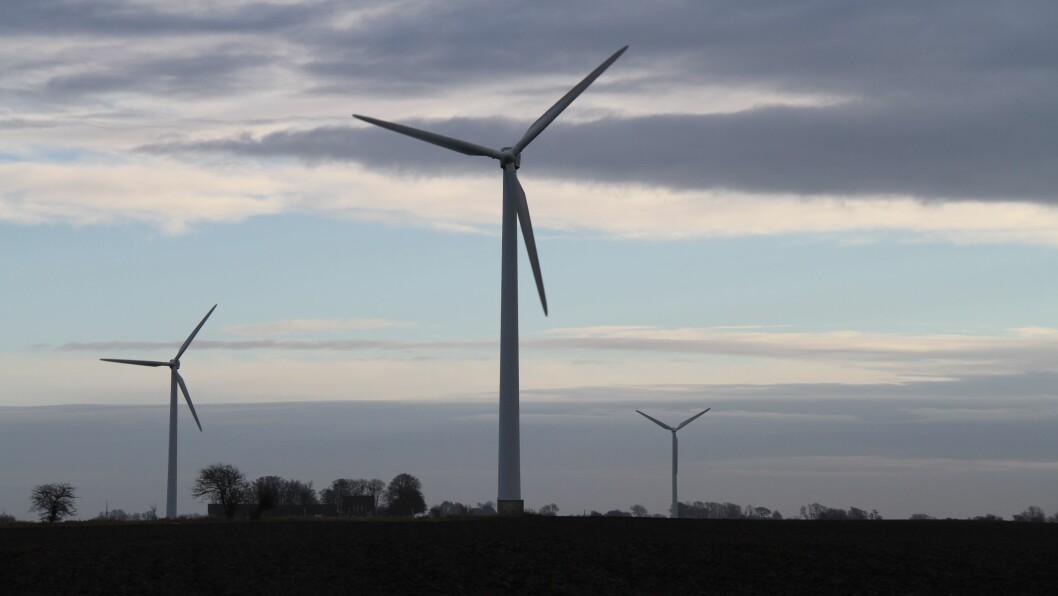 RYDDING: Kan kostnadene ved å måtte fjerne gamle vindturbinar føre til ruin for grunneigarar? Spør Hildegunn Vederhus i innlegget.