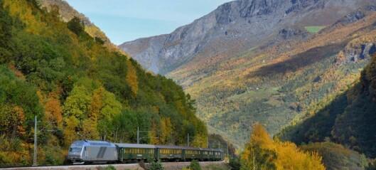 Brakk foten på jobb i Lærdal, drama på Flåmsbana og studentfest i Sogndal