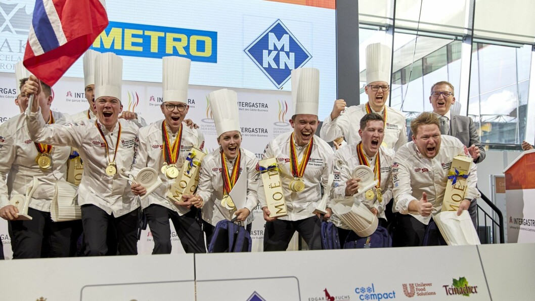 Tonje Torvanger frå Sogndal er ein del av Noreg sitt kokkelandslag, som i dag vann gullmedalje i kategorien nasjonallag.