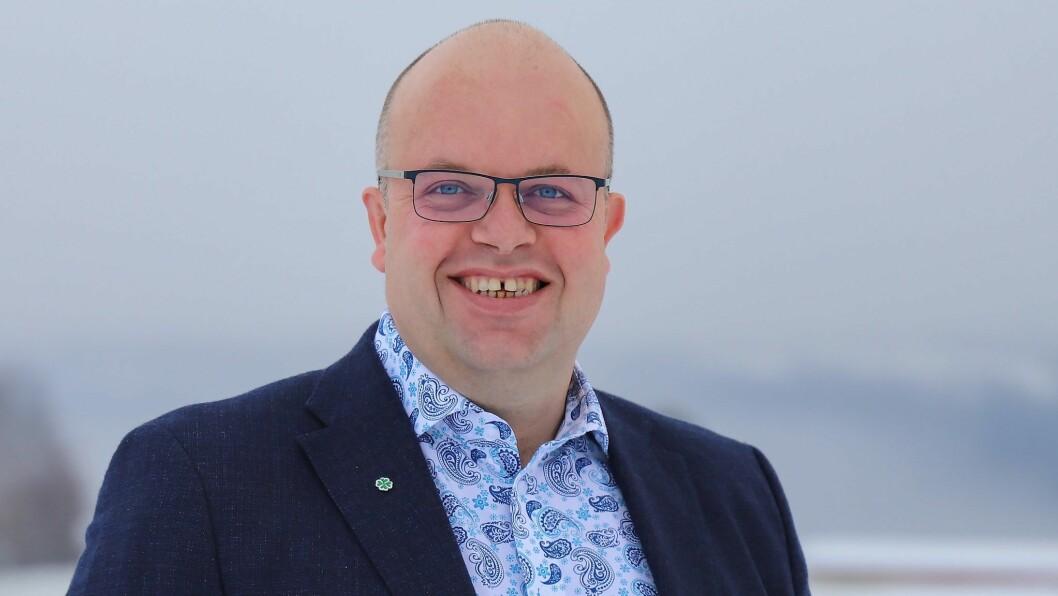 Sigurd Reksnes har vore fylkesleiar Senterpartiet i Sogn og Fjordane i fire år og er no innstilt for to nye år.