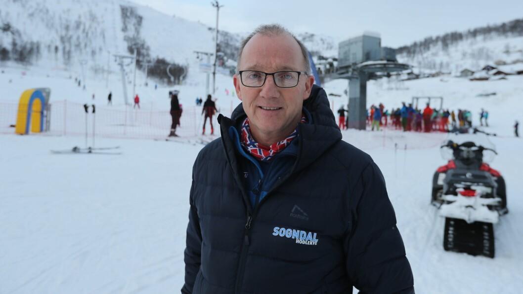GODE TAL: Dagleg leiar Per Odd Grevsnes i Sogndal skisenter kan smila over gode omsetningstal.
