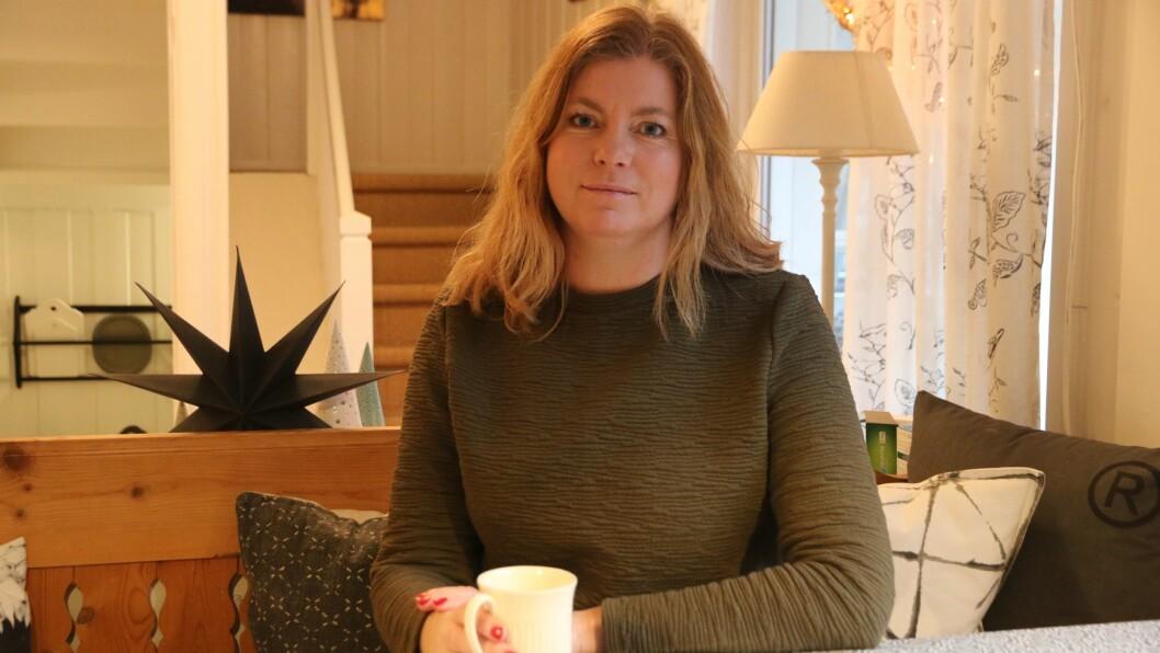 GÅR SAMAN: Linda Olsen er leiar for styret til Elvi Design, eit nytt samvirke i Lærdal som har som føremål å driva med design og interiør i Lærdal. Ida Hafslund Rudningen,Mariell Øyre ogHanne Nygård-Bøe er óg med i styret.