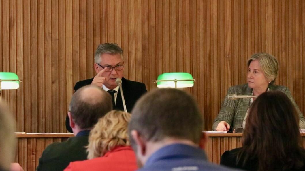 SEIER NEI: Ordførar i Høyanger, Petter Sortland (Ap), fekk i formannskapet i kommunen med seg på ein uttale mot NorthConnect-kabelen.