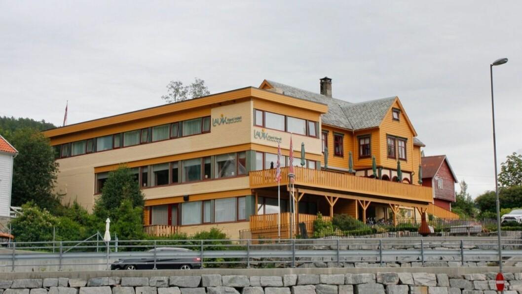 STENGT: Lavik Fjord Hotell stengde frå måndag av.