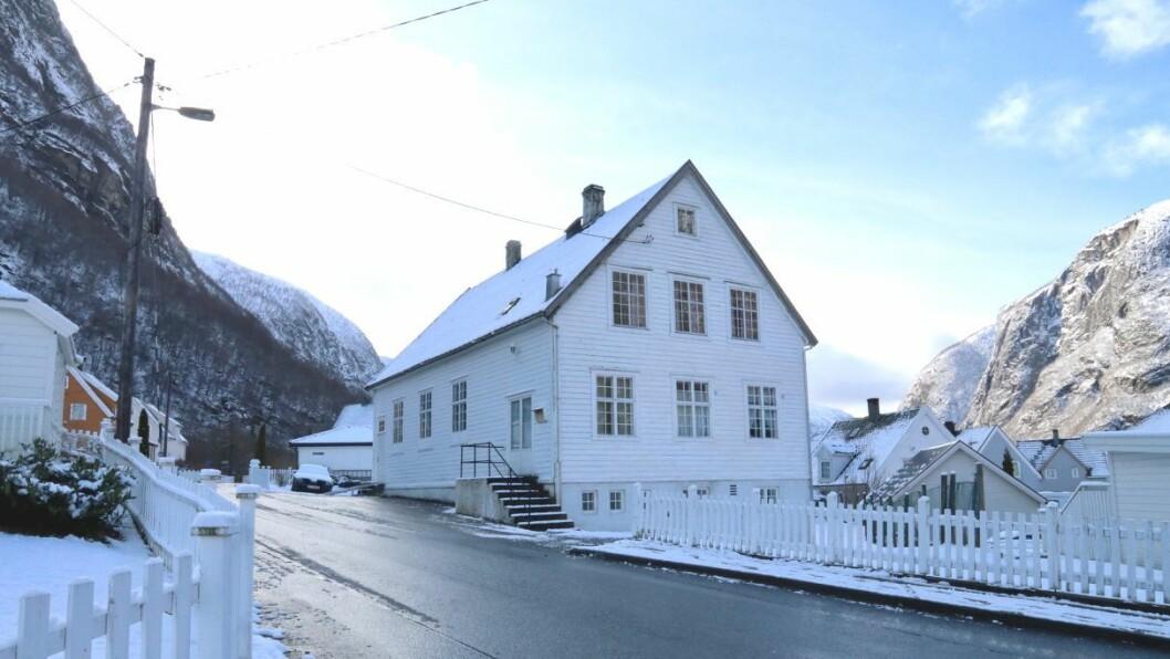 GAMALT: Bedehuset i Høyanger, frå 1928, fungerte som kyrkje fram til Høyanger kyrkje vart vigsla i 1960.