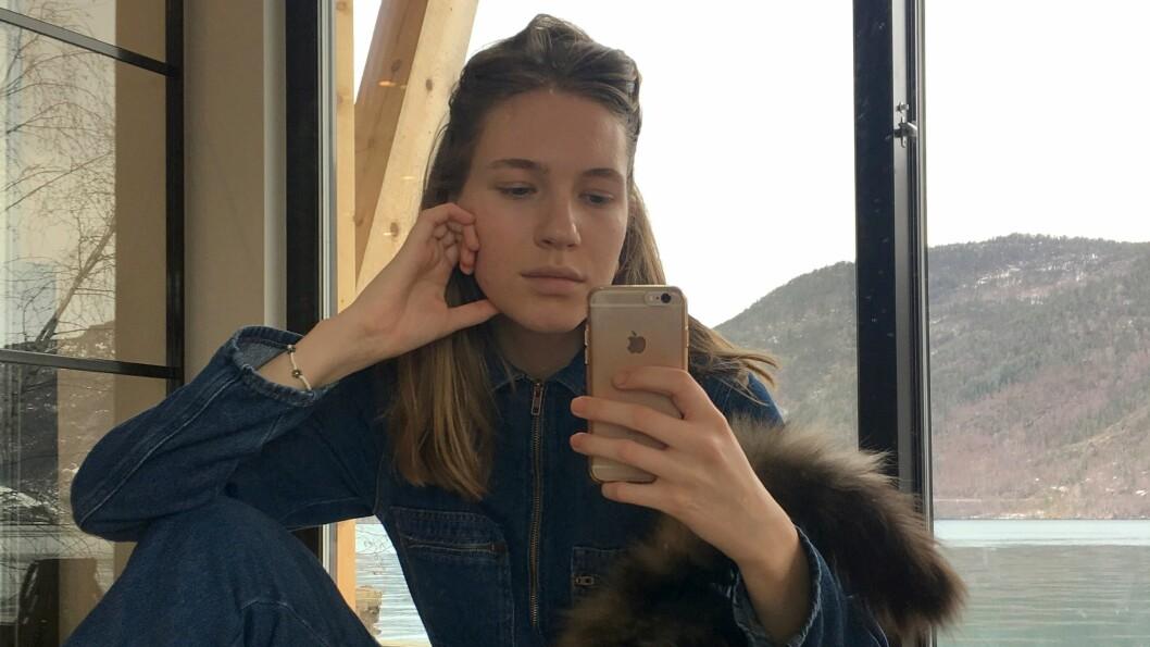 MANGE FØLGERAR: Maria Huseby bur i Oslo til dagleg, men trivest godt heima i Marifjøra òg.