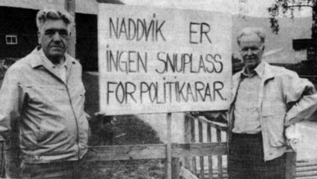 INGEN SNUPLASS: Den gamle samferdselpolitikaren Jakob Flæte (t.v) saman med formann i Årdal Pensjonislag, Arne Eldegard.