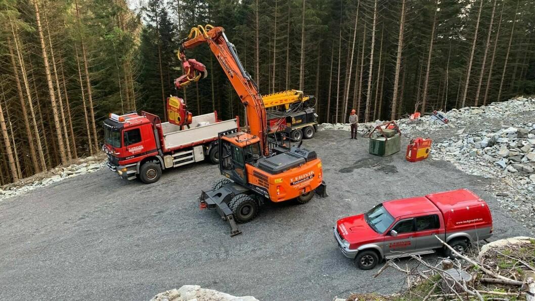 STOPP: Fire maskiner og i overkant av 20 tilsette hos T. Frivik Taubanedrift AS måtte stoppe produksjonen på grunn av fulle lager på sagbruka.