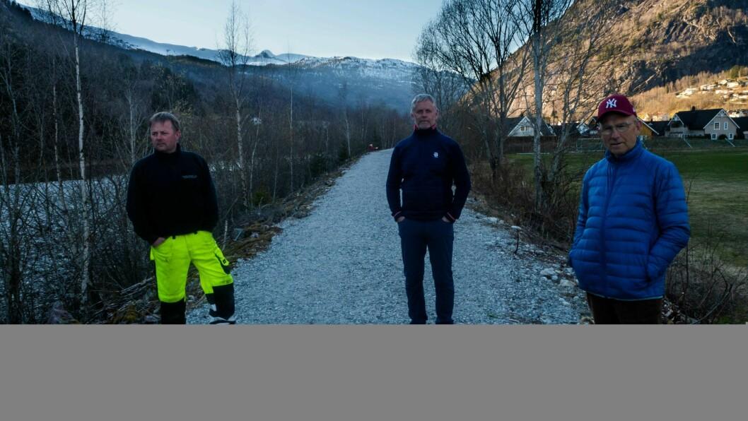 DUGNAD: Gaupne bygdalag på synfaring før dei skal invitere til stordugnad, f.v. Knut Norman Fuglesteg, Stein Olav Njøs og Svein Nybø.